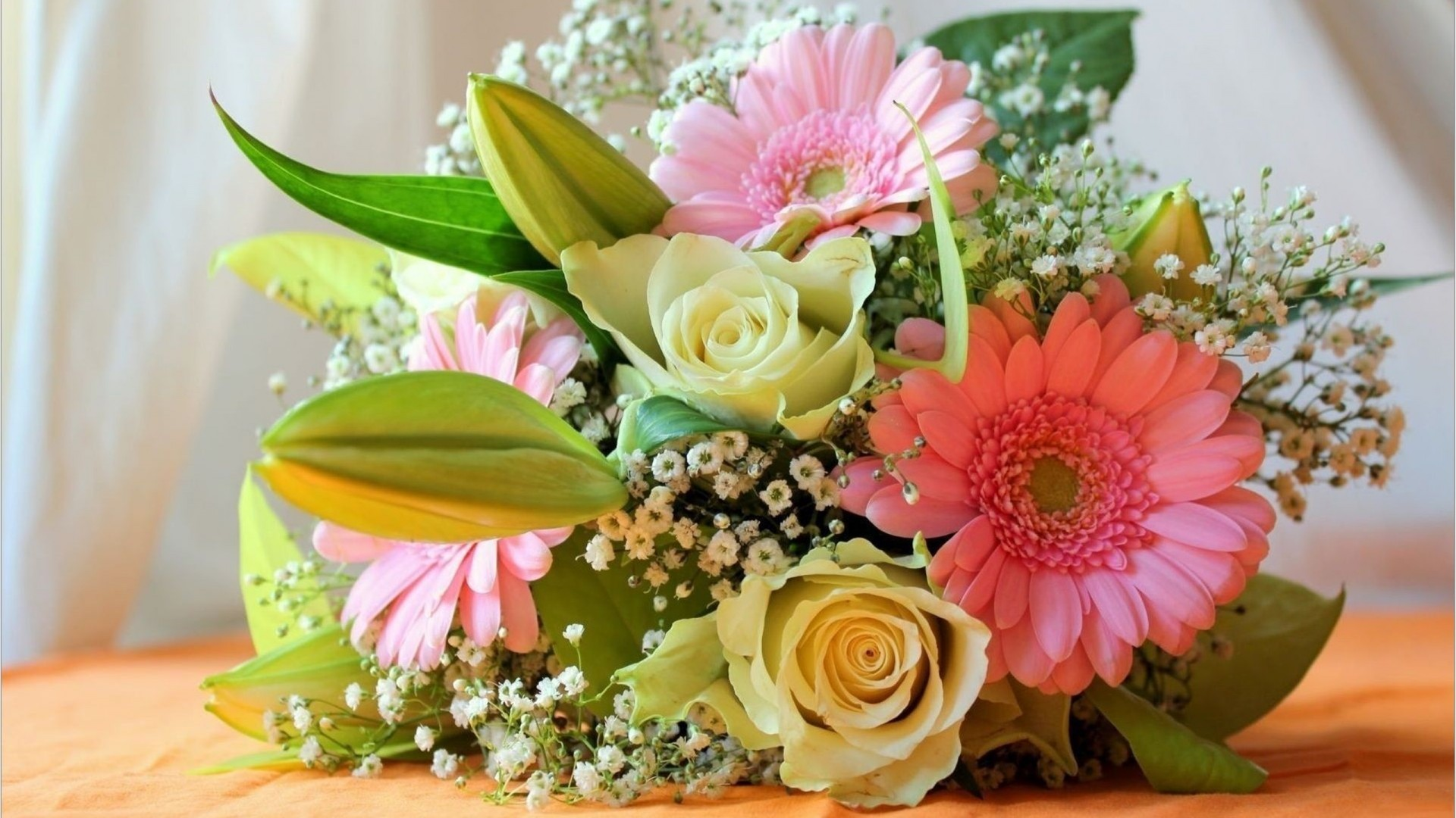 NEW! Receive A Free Vase With Orders Over £35 – Arena Flowers Voucher Code
